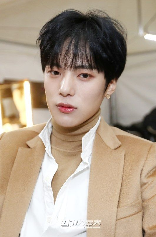 """(NEWS) 180111 MONSTA X Minhyuk at the 32nd Golden Disc Awards Backstage"""