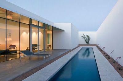 Casas minimalistas y modernas piscinas minimalistas for Piscinas modernas minimalistas