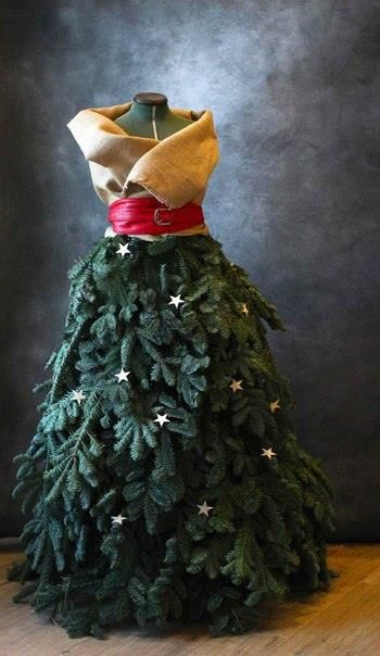 mannequinkleid als weihnachtsbaum wir zeigen die. Black Bedroom Furniture Sets. Home Design Ideas
