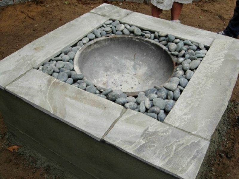 Feuerstelle Selber Bauen Steinblöcke Und Flusssteine