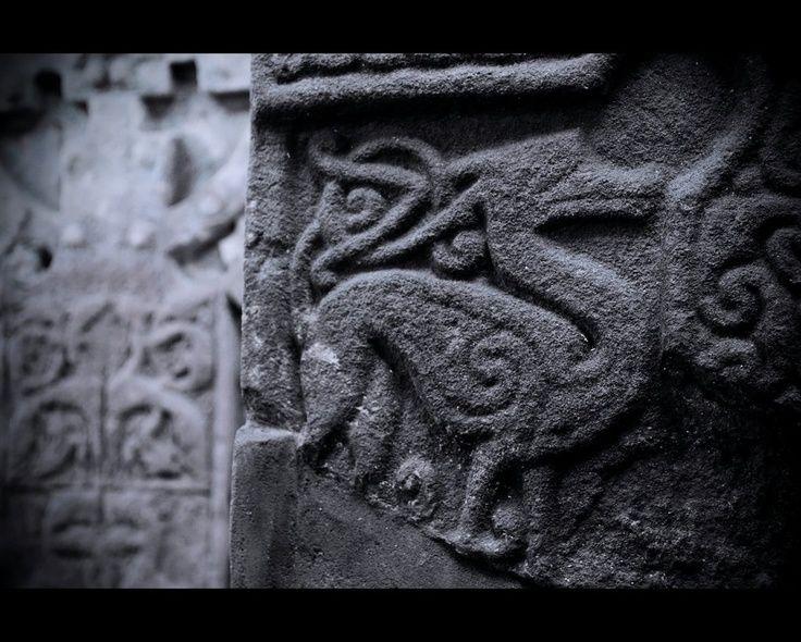 Aberlemno sculptured stones kelpies cerca con google