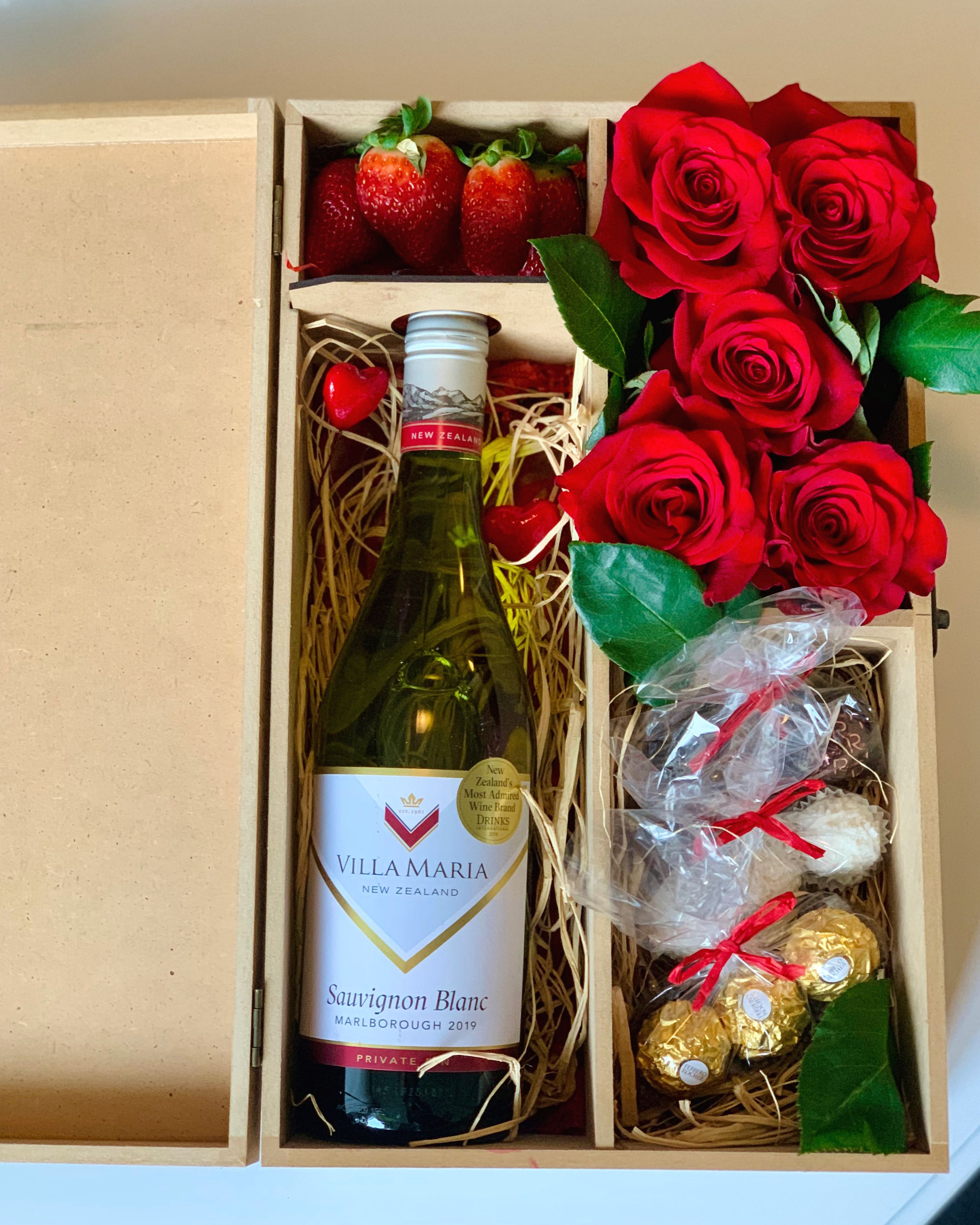 Bottle Of Wine And Roses Gift Box In 2020 Wine Bottle Wine Box Rose Gift