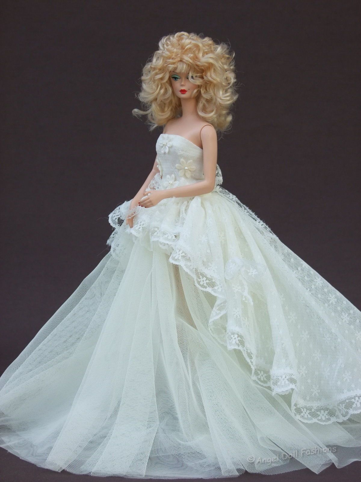 Wedding Gown for Silkstone Barbie - I would put a hoop skirt or ...