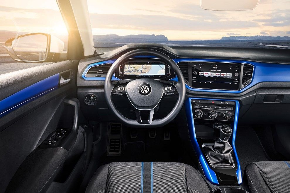 The 2019 Volkswagen T Roc Will Come Out With The New Look Design Renovation New Engine System Applied To Make The Volkswagen Volkswagen Camper Volkswagen Car
