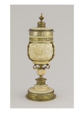 Coupe sur pied en ivoire - Musée national de la Renaissance (Ecouen)