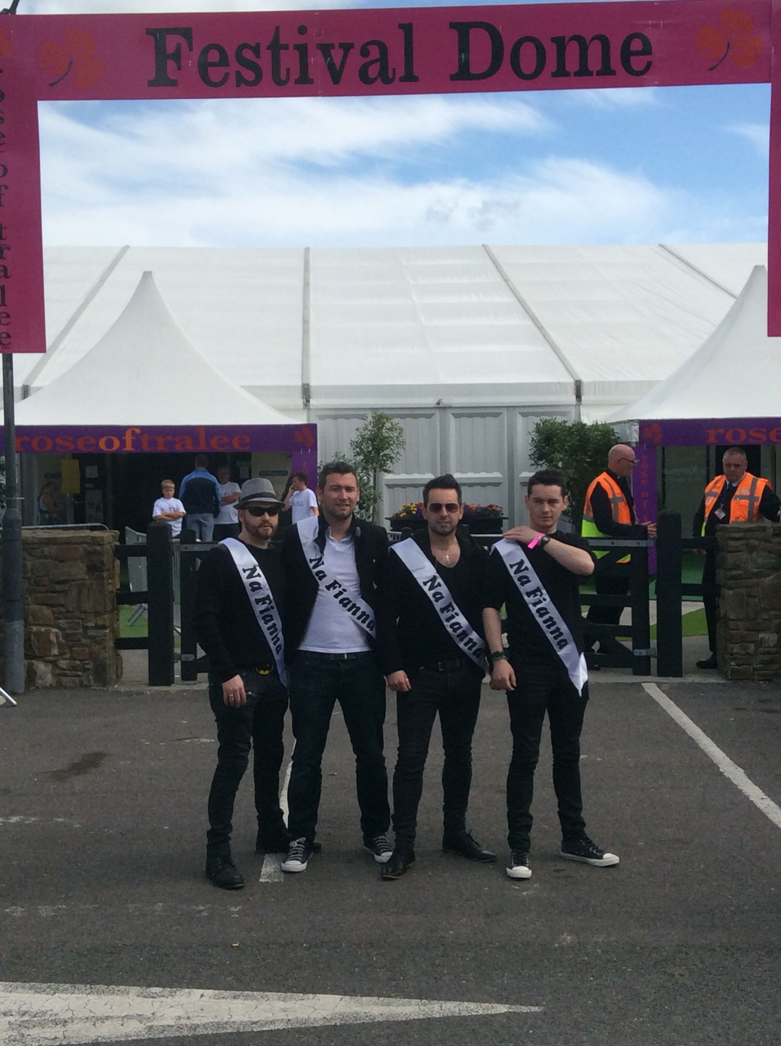 Na Fianna Roses At The Rose Of Tralee The Rose Of Tralee Irish Band Tralee