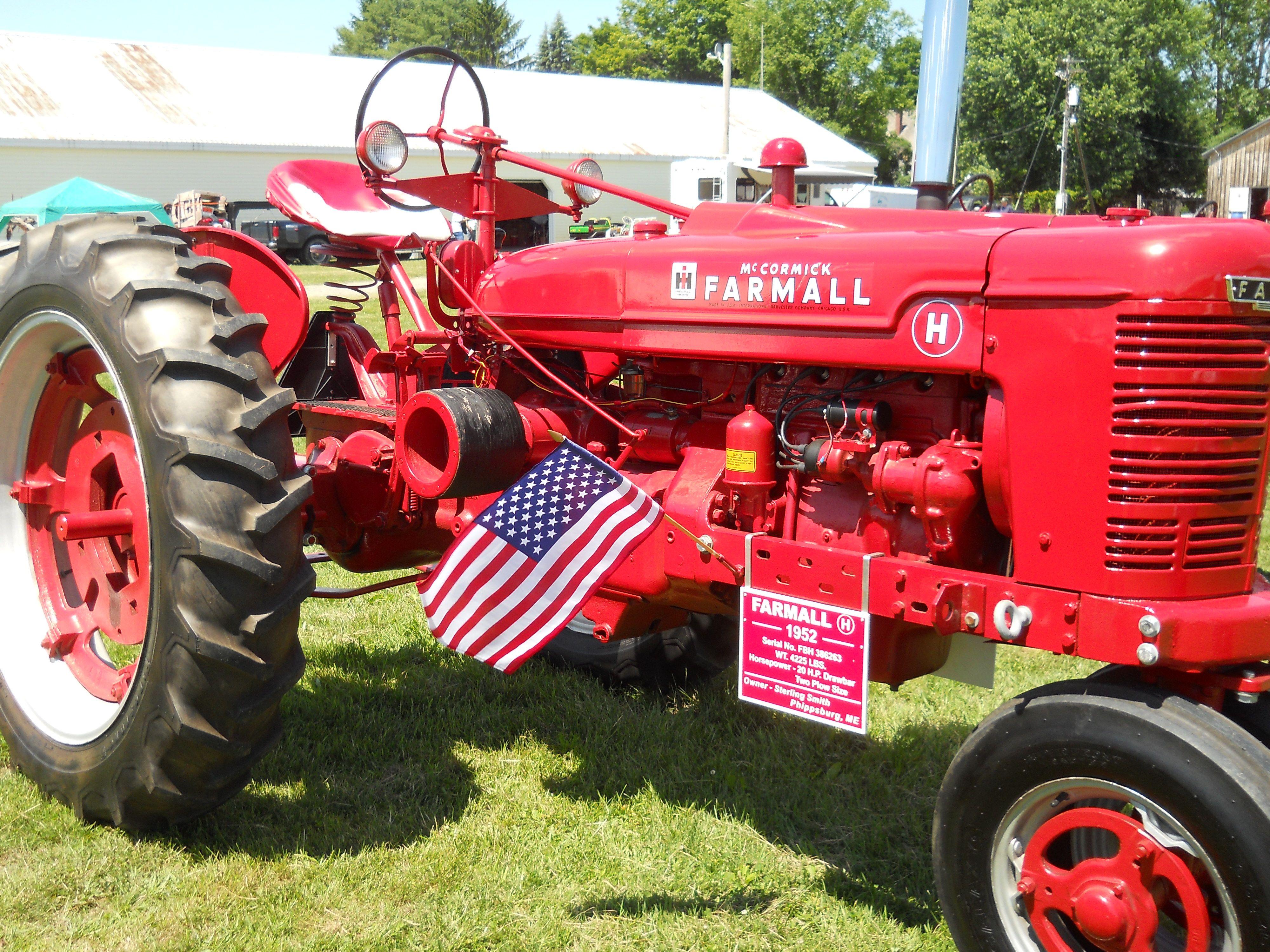 1952 Farmall H Tractor