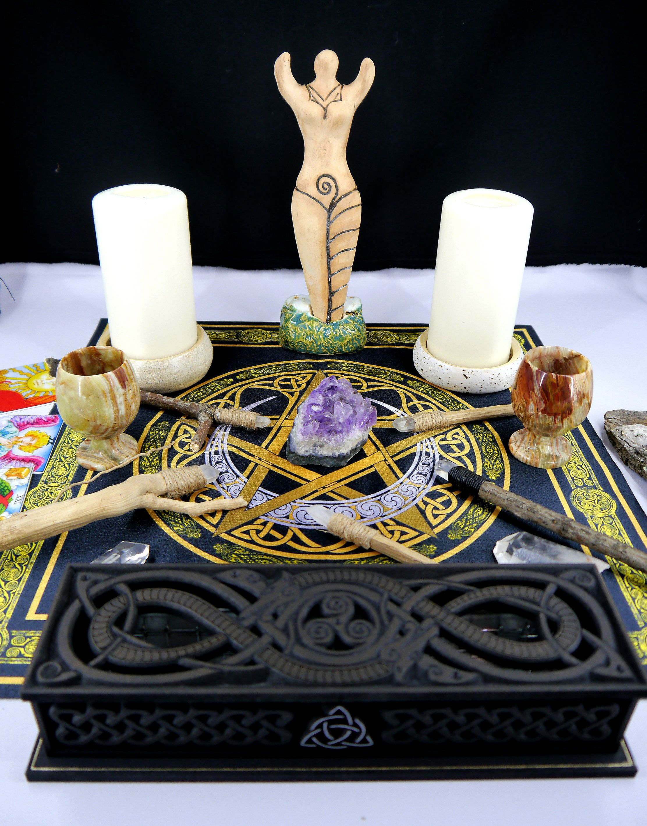 Altar cloth // Tarot cloth // Wiccan shrine cloth // Pagan ...