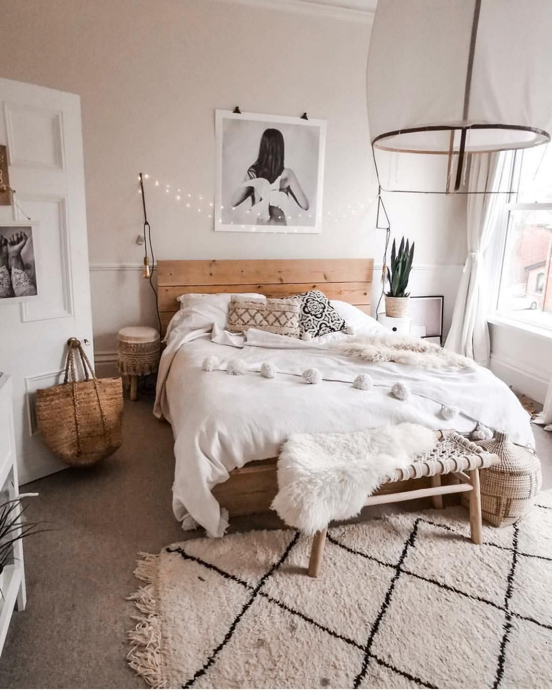 Bohemian Minimalist Bedroom Ideas with Urban Outfiters