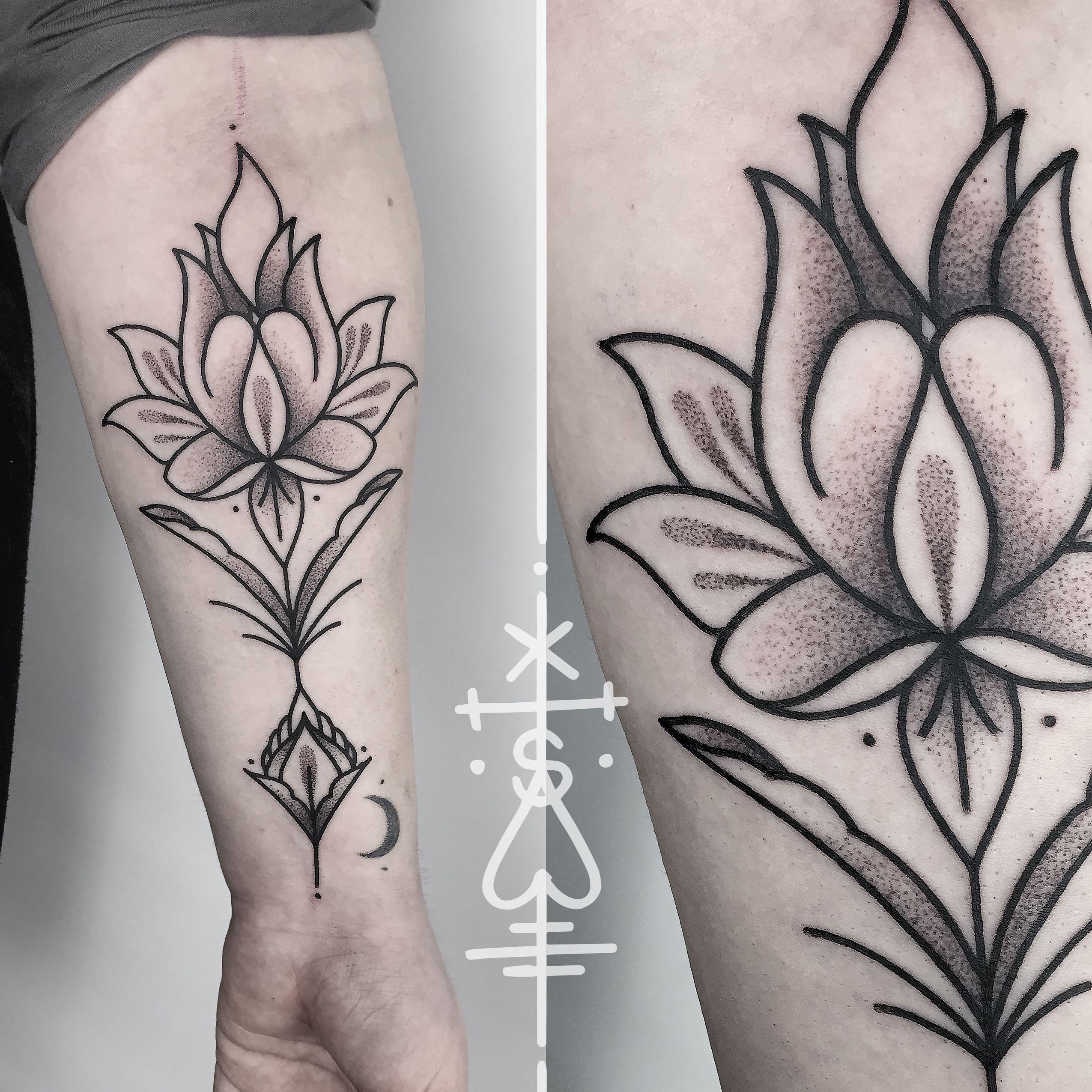 Anna S Lotus Flower From Last Week Thank You Lotus Mandala Lines Blackworkers Blackwork Dotwork Tattoo Tattoos For Women Inspirational Tattoos Tattoos