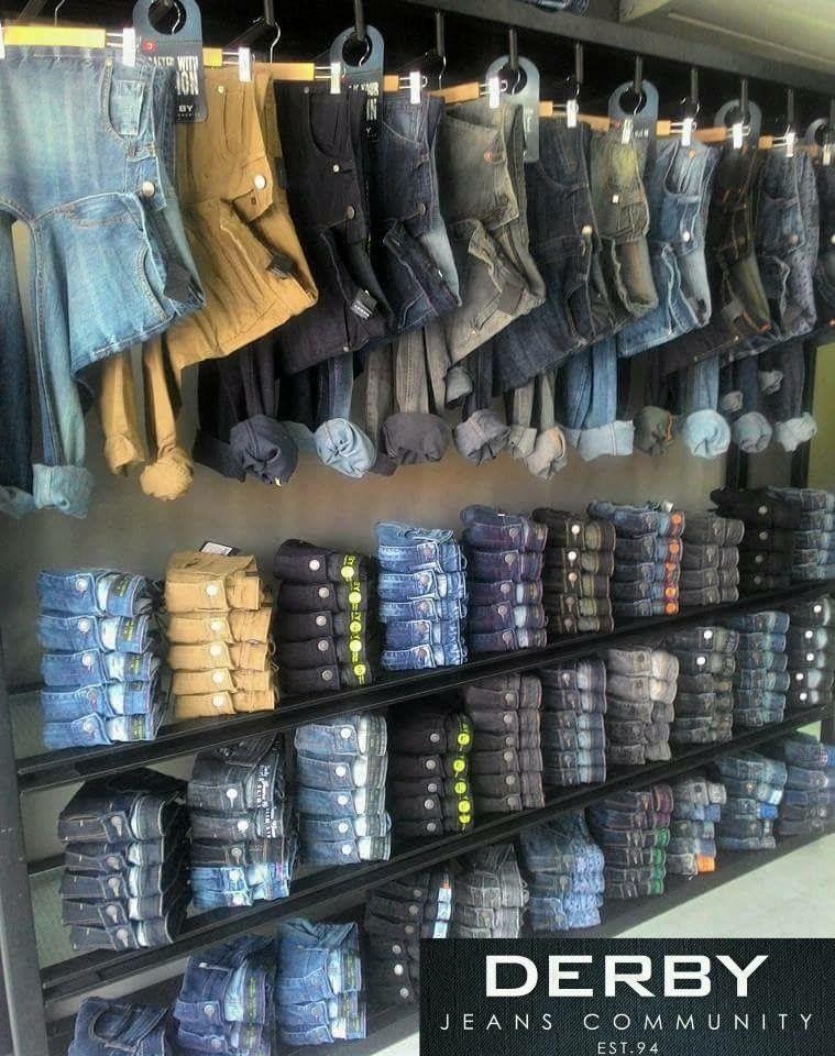 Doblado jeans diferente tienda in en 2019 decoracion for Diseno de interiores almacenes de ropa
