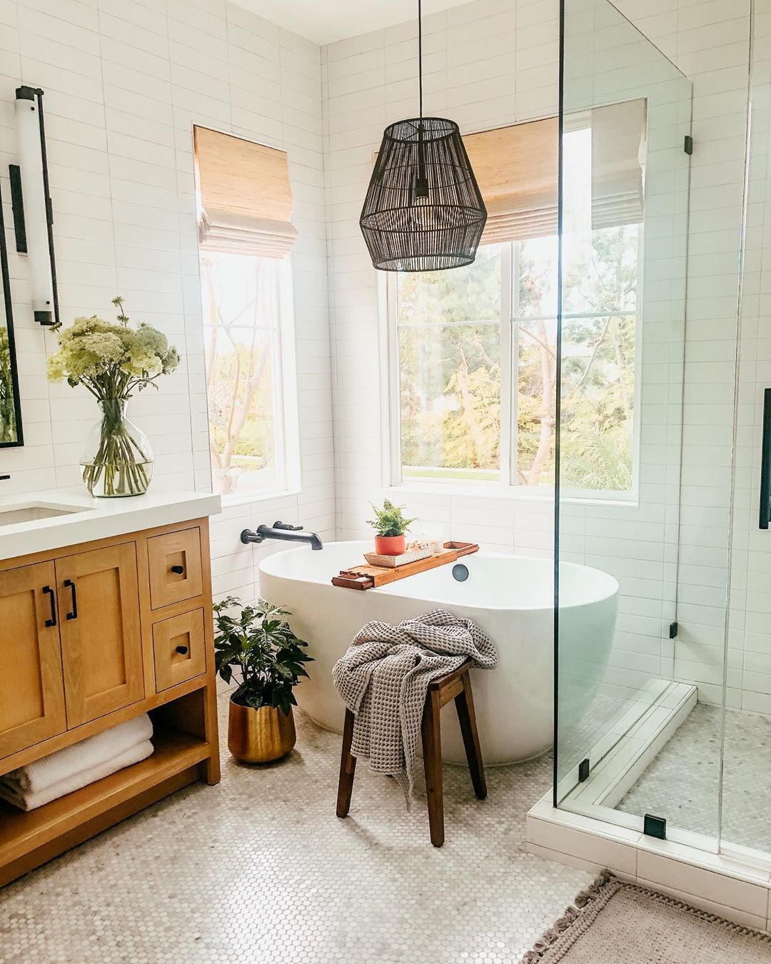 California Casual Bathroom In 2020 Design Your Own Home Home Design Home App