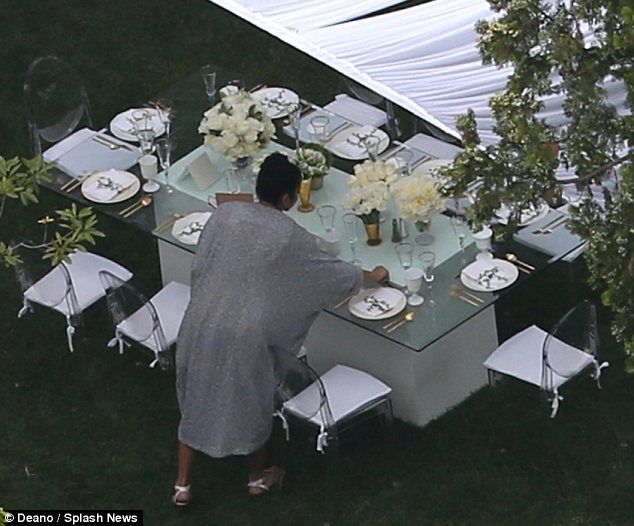 kim kardashians baby shower centerpieces and setup