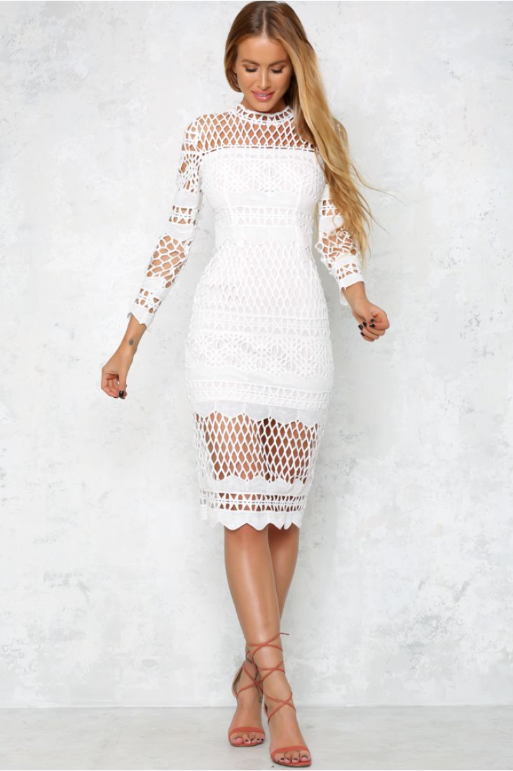 Add a touch of glamour with a little lace in our feeling fine midi