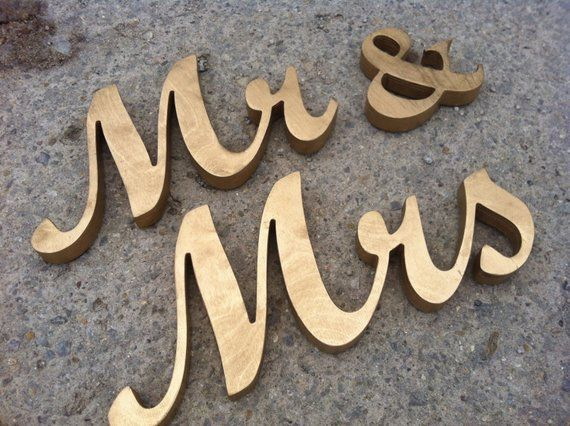 ** BEAUTIFUL PERSONALISED SPARKLY WOODEN GINGERBREAD-MR /& MRS GORGEOUS****