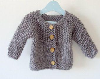 Artículos similares a Chaqueta de niña rosa ciruela/ lana merina/ ropa de niña/ punto para bebés en Etsy
