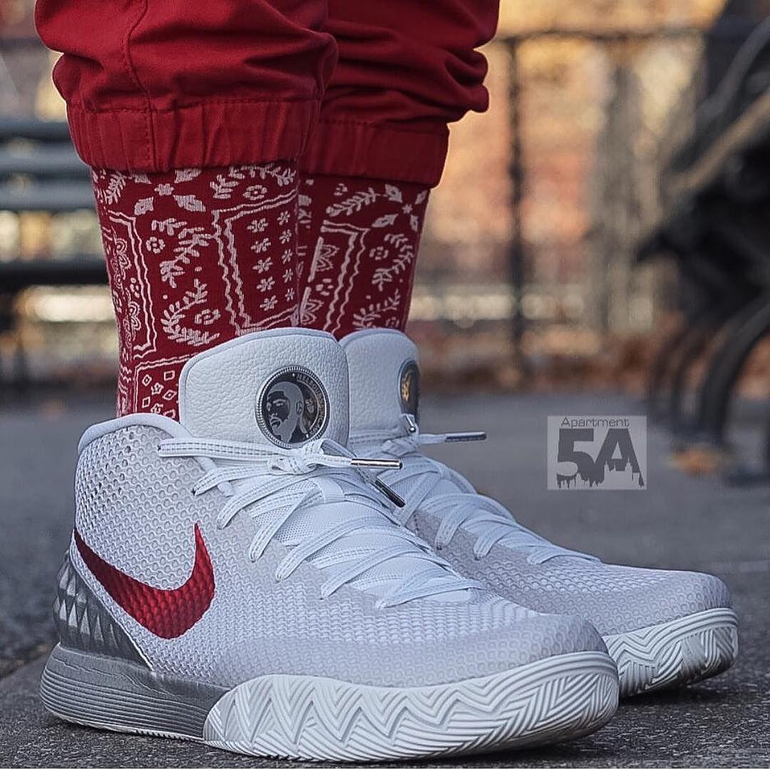 2bf3b58f6592 SHOP  Nike Kyrie 1 LMTD
