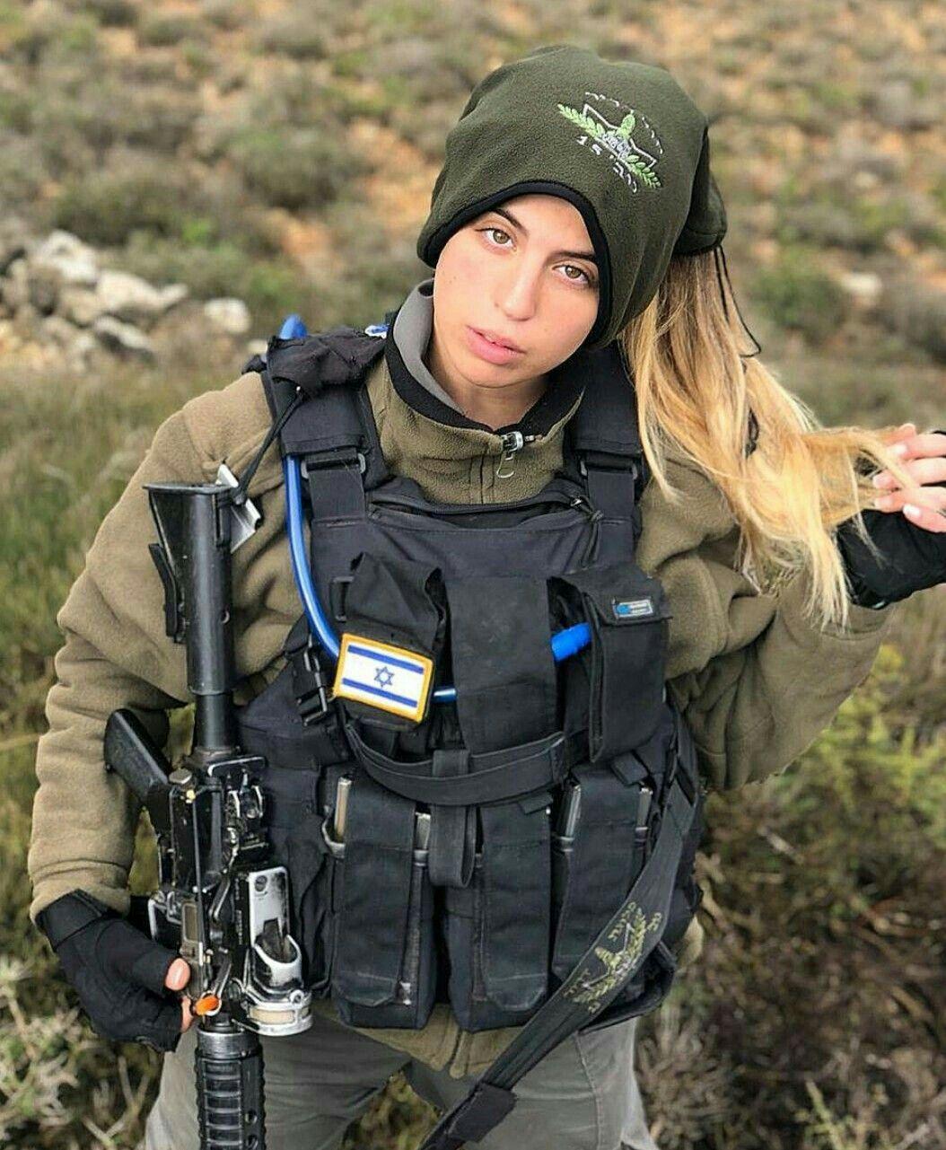 Military Women  Girls With Guns-5102