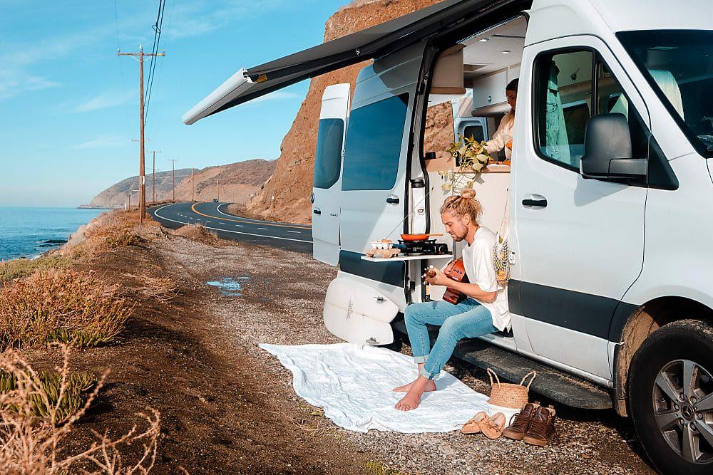 2019 Mercedes-Benz Sprinter Camper Van Rental in Malibu, CA | Mercedes  sprinter camper, Benz sprinter, Sprinter camper