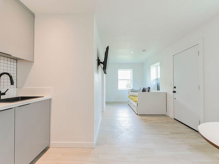 715 S 3rd St Las Vegas Nv 89101 Apartments For Rent Zillow Apartments For Rent Home Loans Apartment