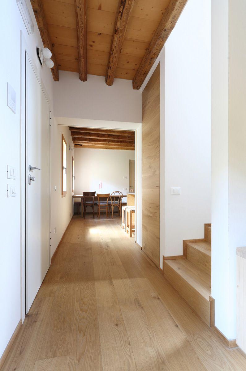 Finestre One e scuri Casale, in legno di #larice spazzolato ...