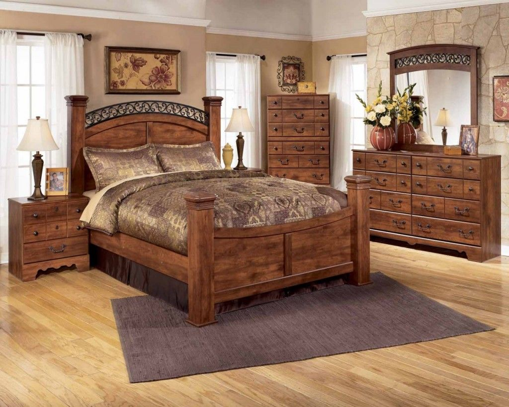 5 pc queen elizabeth ii renaissance style queen bedroom set with 5 pc queen elizabeth ii renaissance style queen bedroom set with tufted padded carved headboard and footboard bedroom sets pinterest queen bedroom