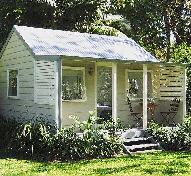 29 Amazing Shed To Tiny House Conversions Backyard Cabin Backyard House Backyard Cottage