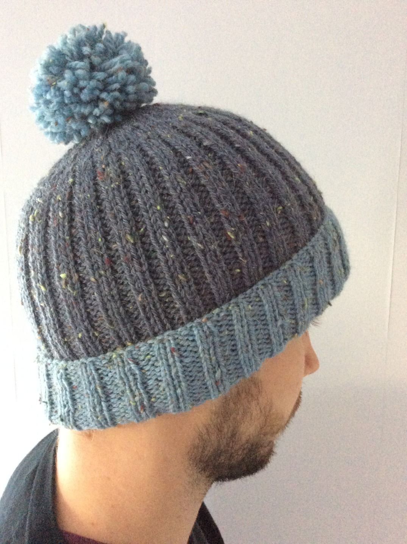 tricoter un bonnet en laine pompon