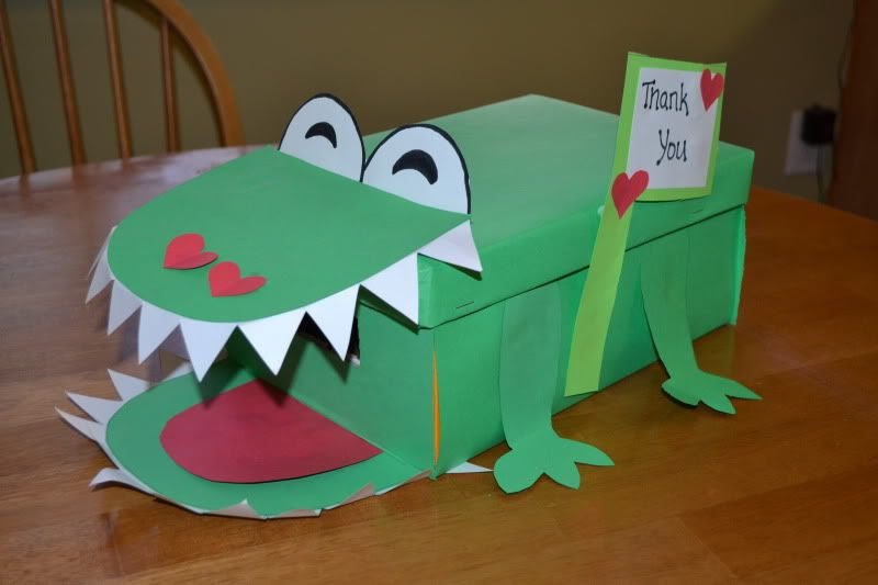 Mamas Like Me Alligator Valentine Mailboxwould Be Cute To Give Each Kid A Shoe  Box And