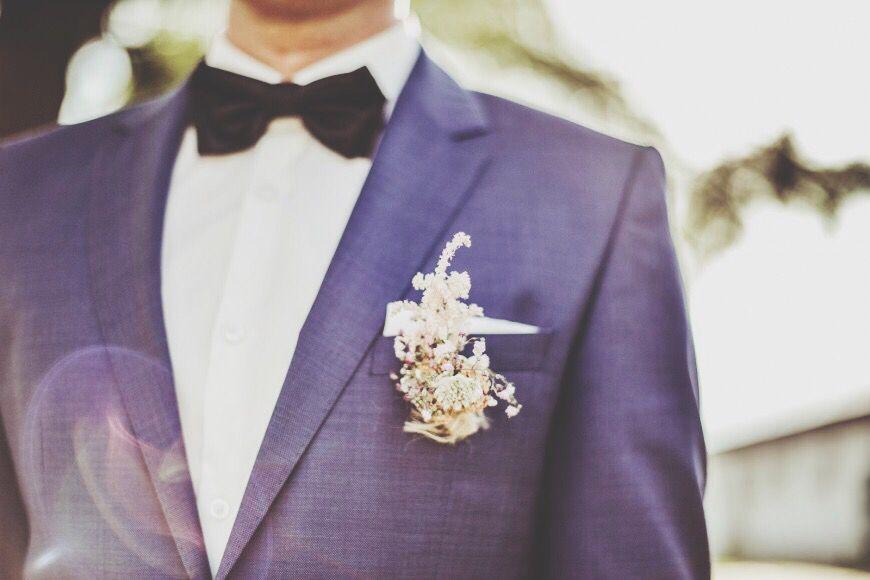#groom #details #flowers #suit