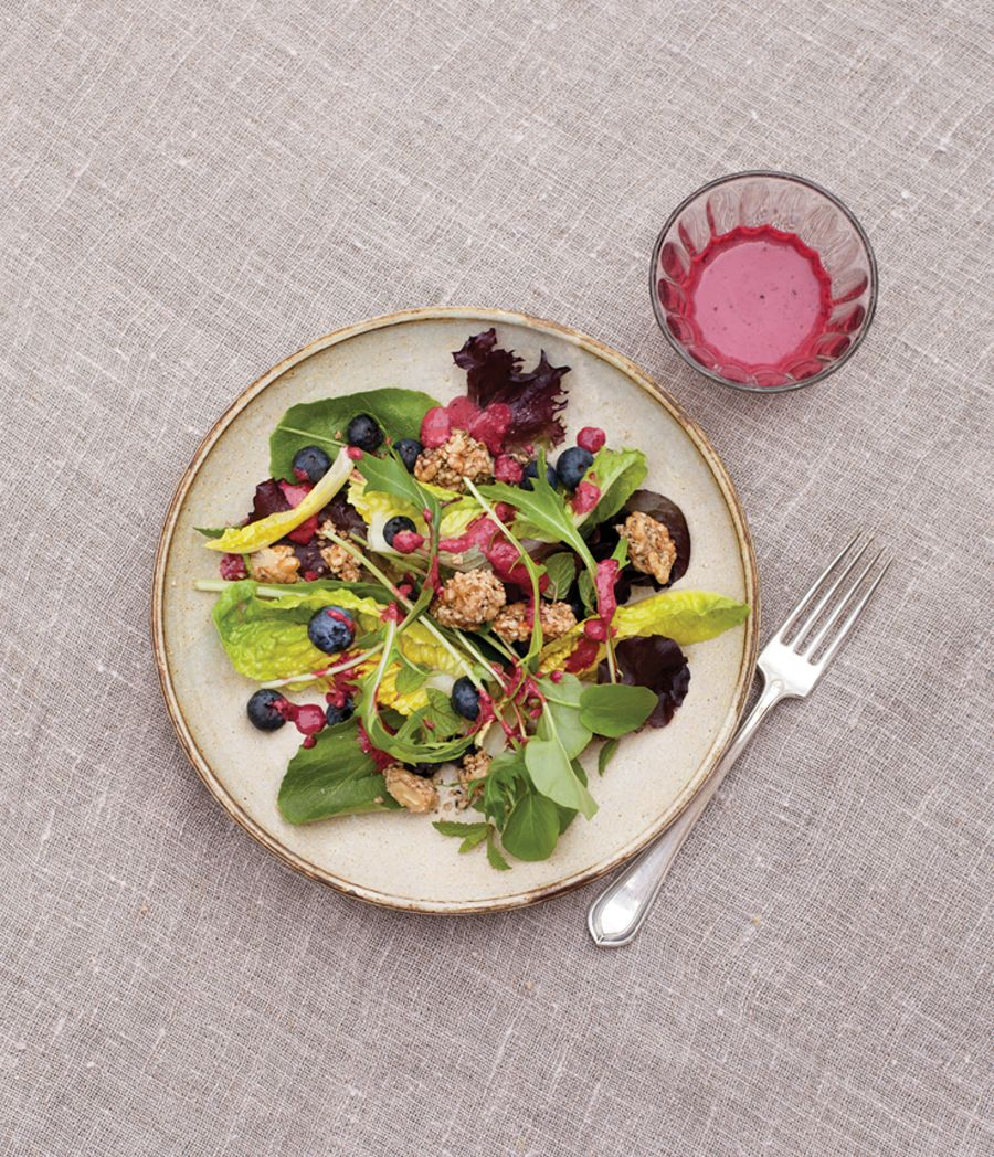 Mixed Green Salad with Maple-Nut Clusters and Blueberry Dressing | Vegetarian Times