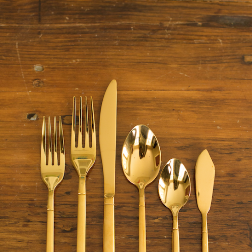 Gold Flatware from @thefestivefrog