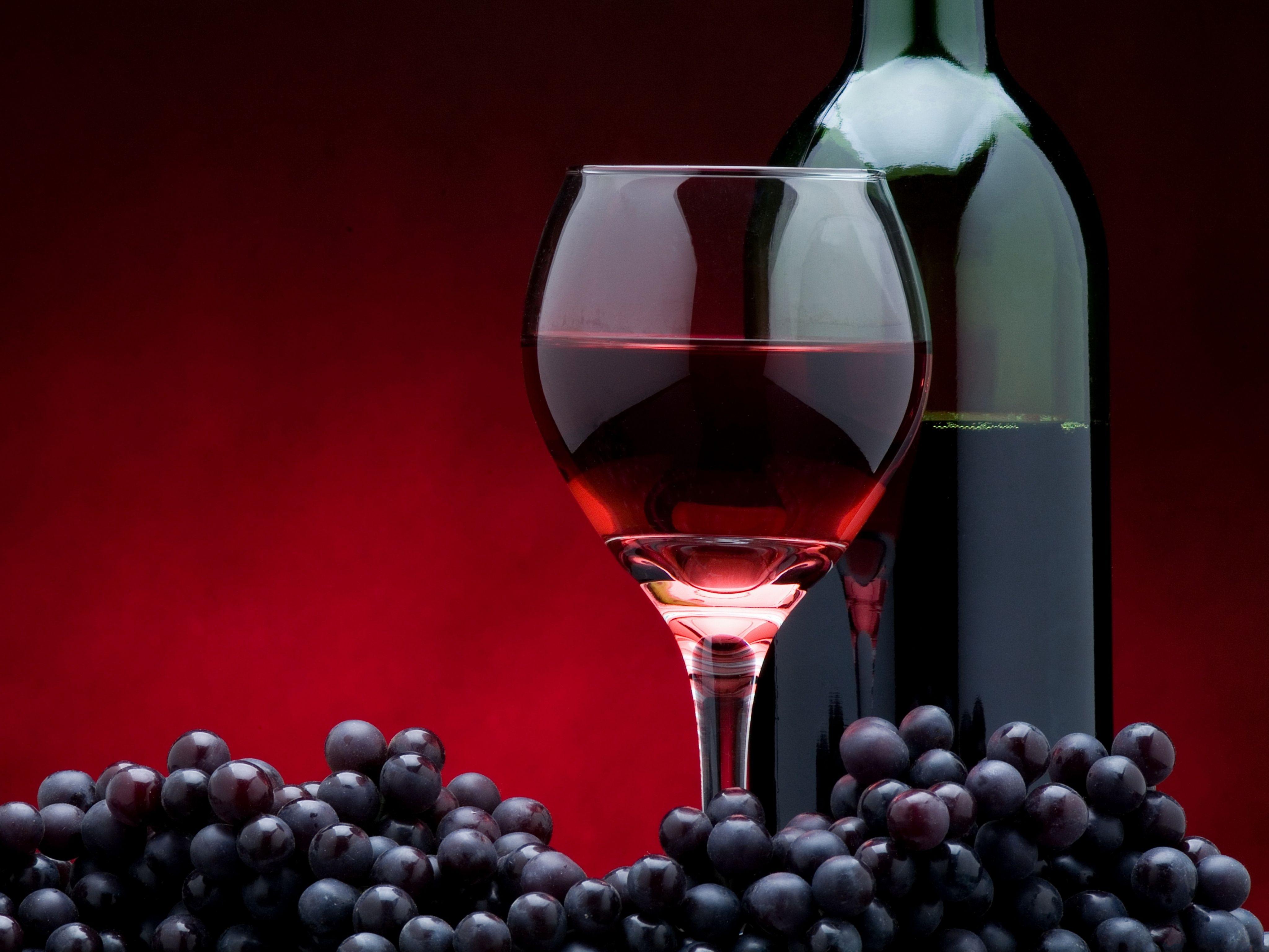 Computer Desktop Wallpaper With Red Wine Bottle Cup Grapes 4096x3072pixels Red Wine Red Wine Bottle Wine Culture