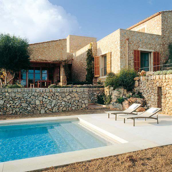 Arquitectura rural by antoni esteva dise o piscinas for Sonar con piscina