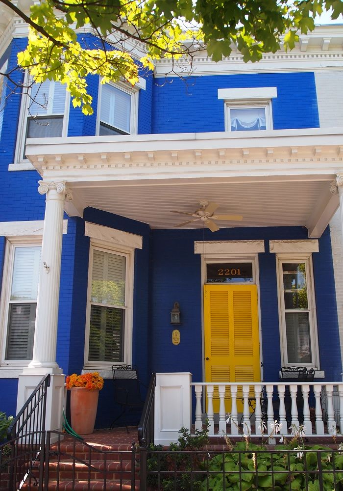 Royal blue bright white with yellow door exterior - Bright house colors for exterior ...