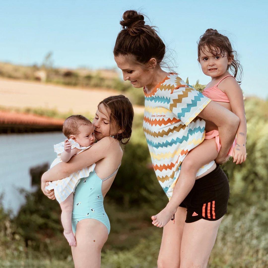 Si Hay Algo Más Maravilloso Que La Infancia Es Encontrarla En La Felicidad De Un Hijo Verdeliss Verano Gr Verdeliss Familia Carameluchi Youtuber Famosos