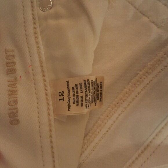 White boot cut American Eagle Jeans Worn once... perfect condition American Eagle Outfitters Jeans Boot Cut
