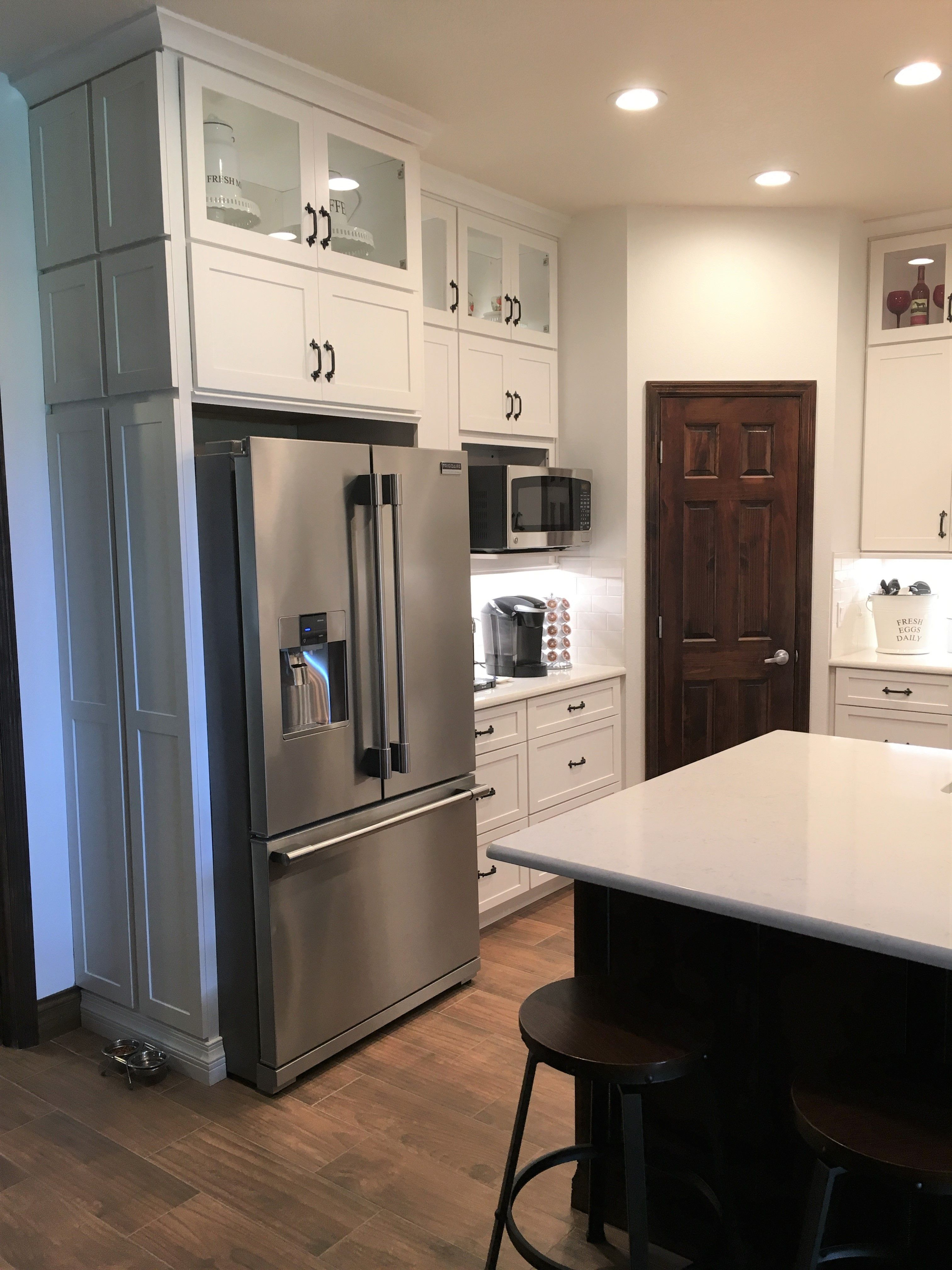 Check Out This Beautiful Craftsman Farmhouse Kitchen This Design Was Created By Lowe S Project Specialist Krist Kitchen Installation Kitchen Cabinet Remodel Kitchen Remodel