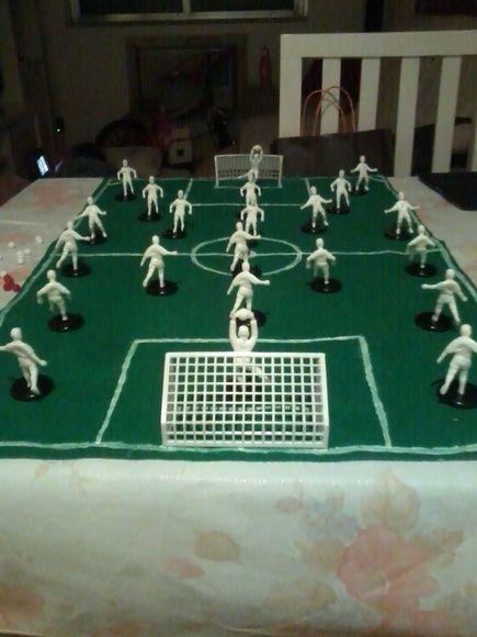 Campo De Futebol Feito Em Feltro E Pintado Com Tinta Branca