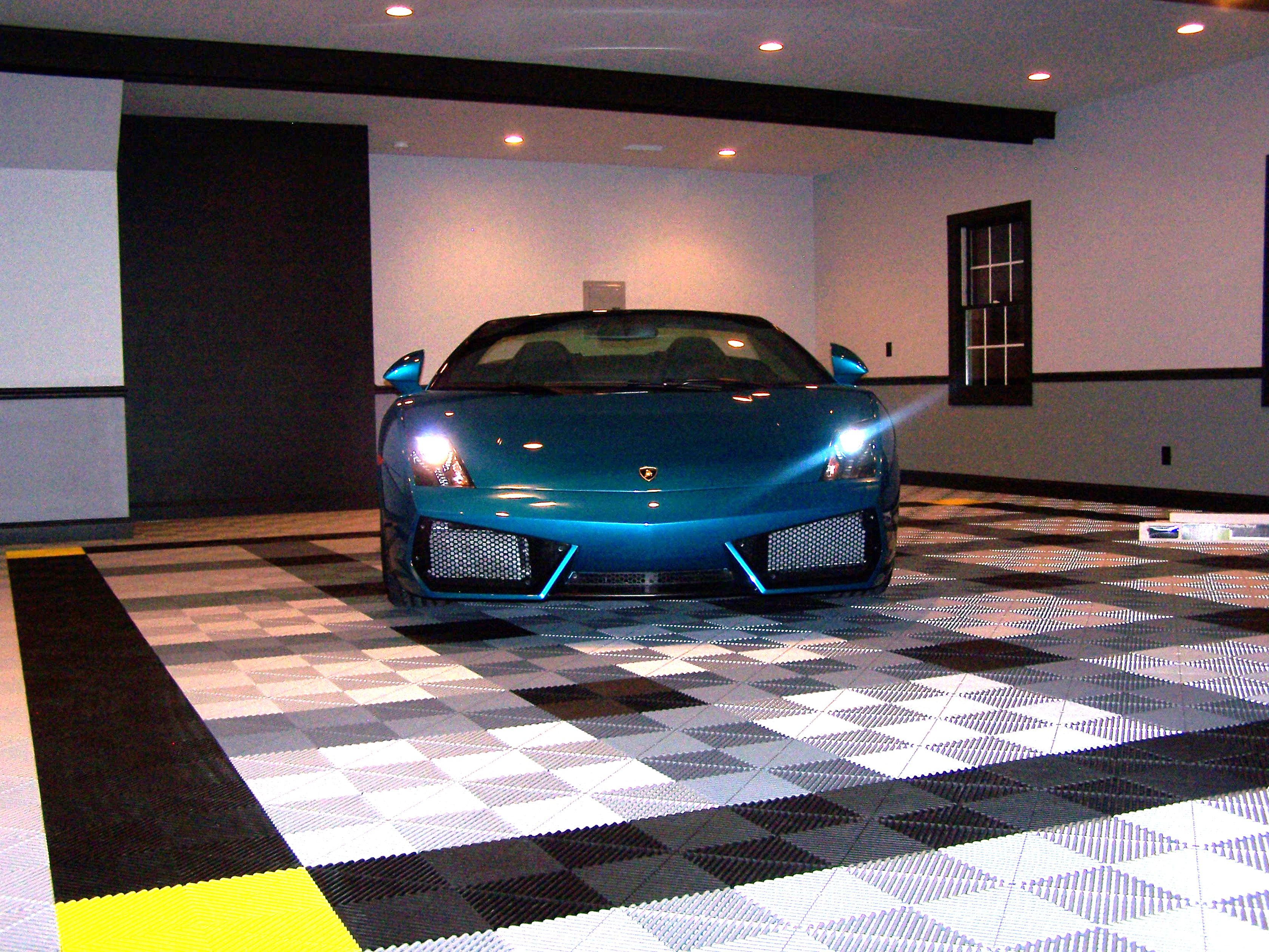 What All The Cool Kids Have Swisstrax Garage With Lamborghini