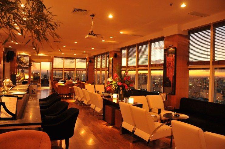 Decostore por SP - The View Bar - Rooftop - Restaurantes em SP - Restaurante - Bar - The View - Paisagens - Skyline - São Paulo - Existe Amor em SP - Decoração de Restaurantes - Restaurantes Decorados