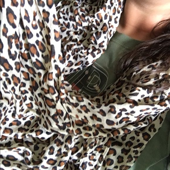 Leopard scarf Never worn. Bought from Amazon Accessories Scarves & Wraps
