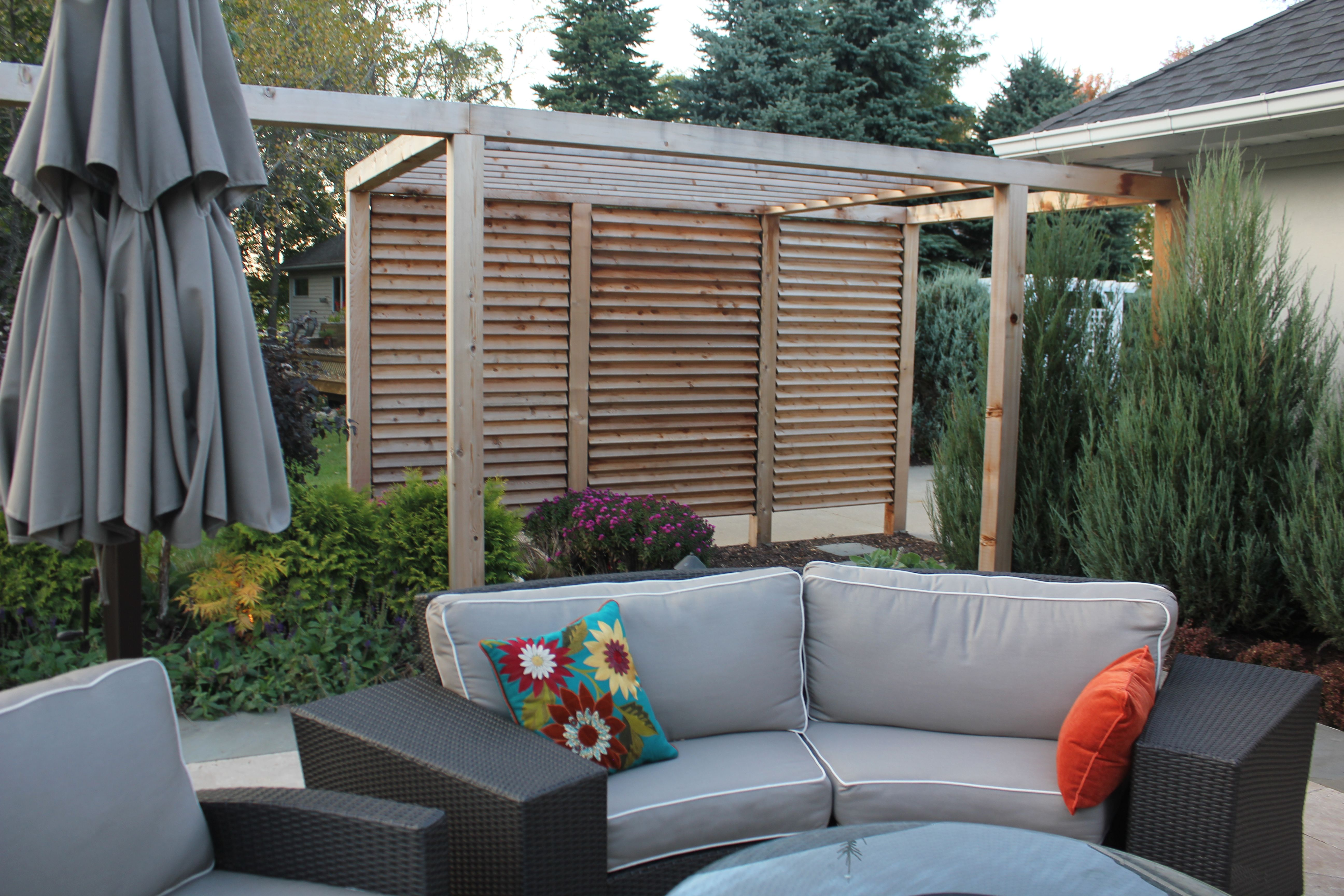 Patio privacy wall ideas - Louvered Garden Privacy Wall