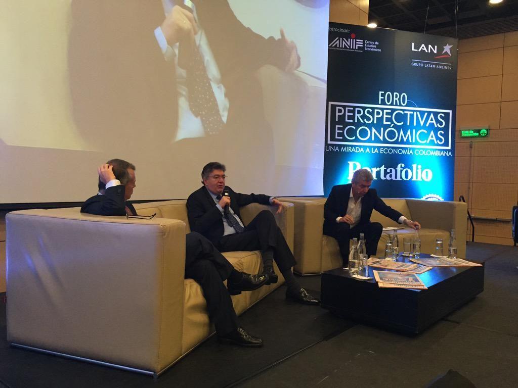 """RT imassmco: ''sector de la construcción dinamizará los próximos meses"""": MauricioCard #Perspectivaseconómicas http://t.co/W8x68jrGdp"""