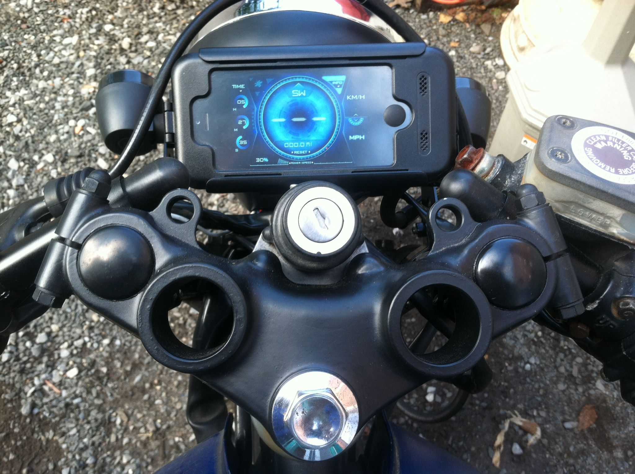 Yamaha xs400 Cafe racer  Upgraded speedometer to iPhone 5  Gets rid