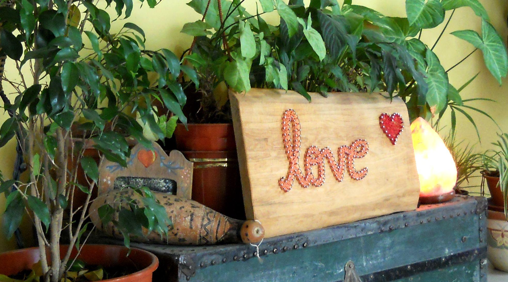 Love cuadro realizado en hilorama con hilo encerado - Clavos para madera ...