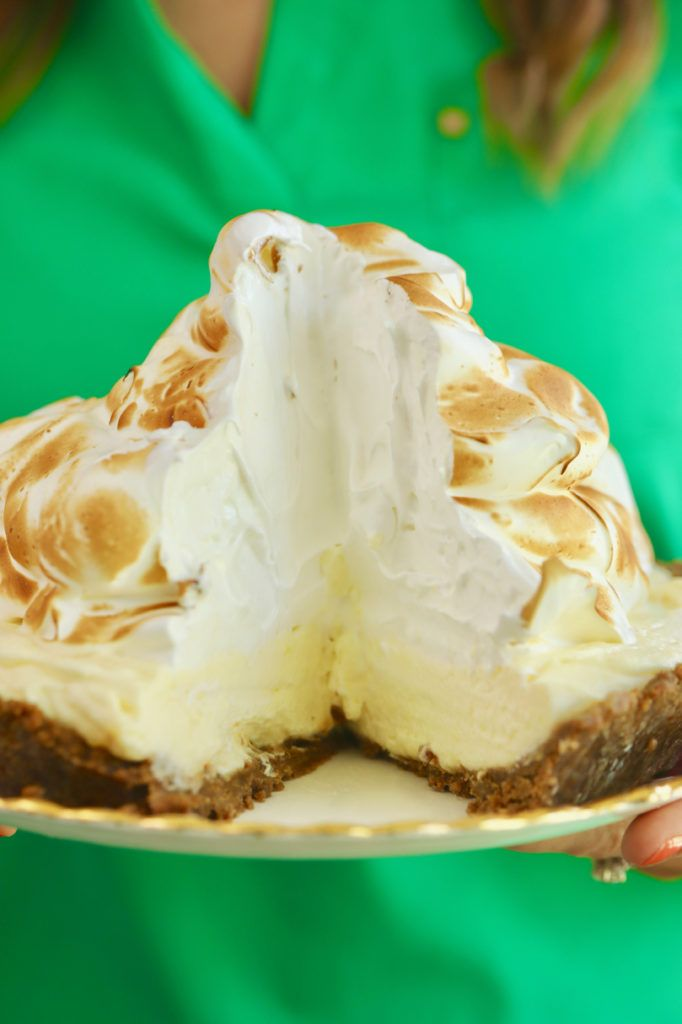 No-Bake Lemon Meringue Cheesecake #lemonmeringuecheesecake