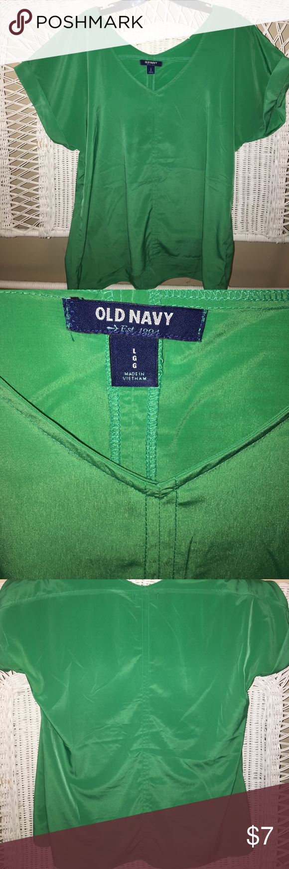Old Navy green top 100% polyester, excellent used condition. Wrinkles steam out easily. Wears well with leggings Old Navy Tops Tunics