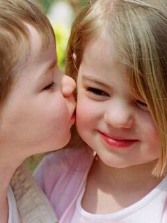 Awww Baby Kisses Cute Baby Couple