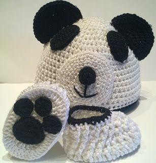 Capitan Uncinetto: Scarpine impronta abbinate al cappello panda